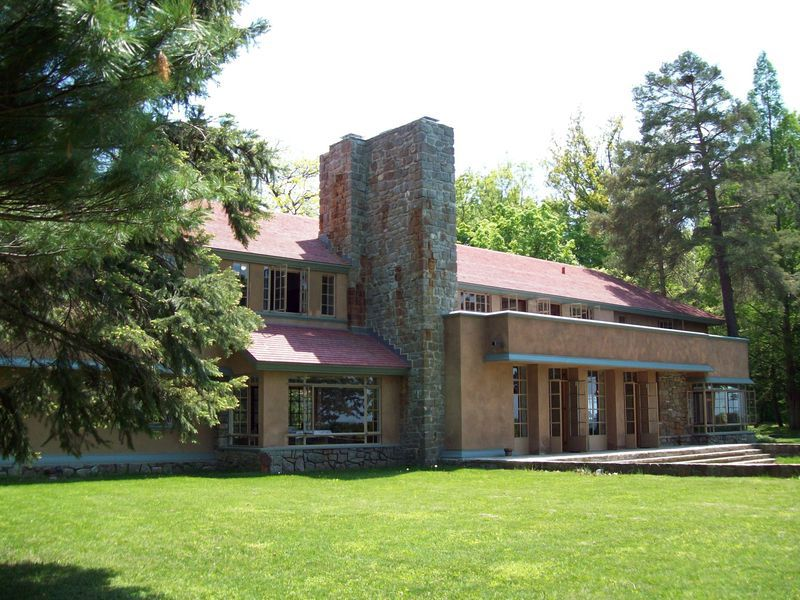 North-Side-of-House-with-Chimneys-Schultz-09060.jpg