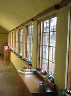 Upstairs-Hallway-Yuletdie-low-res0.jpg