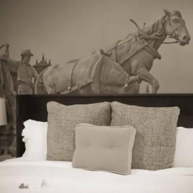 hotelroom0.jpg