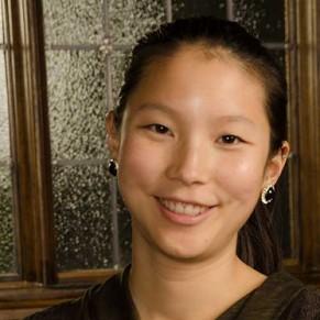 Charlotte Hsu headshot