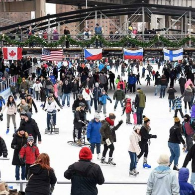 Canalside-ice-rink