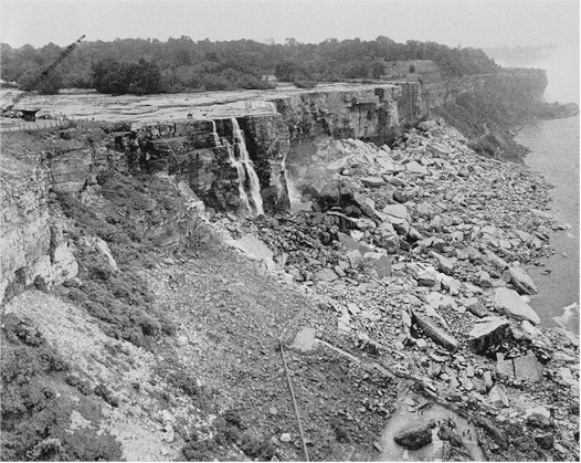 Dry_Niagara-Falls_1969