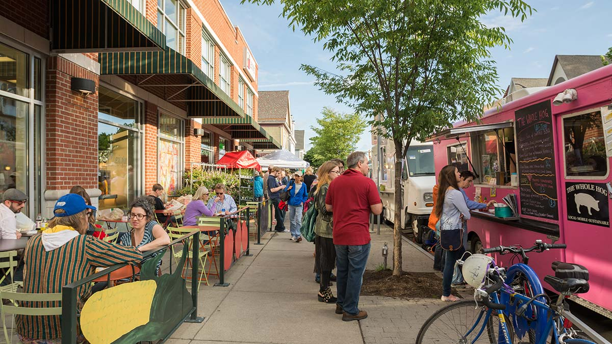 5 Great Reasons to Explore the Elmwood Village