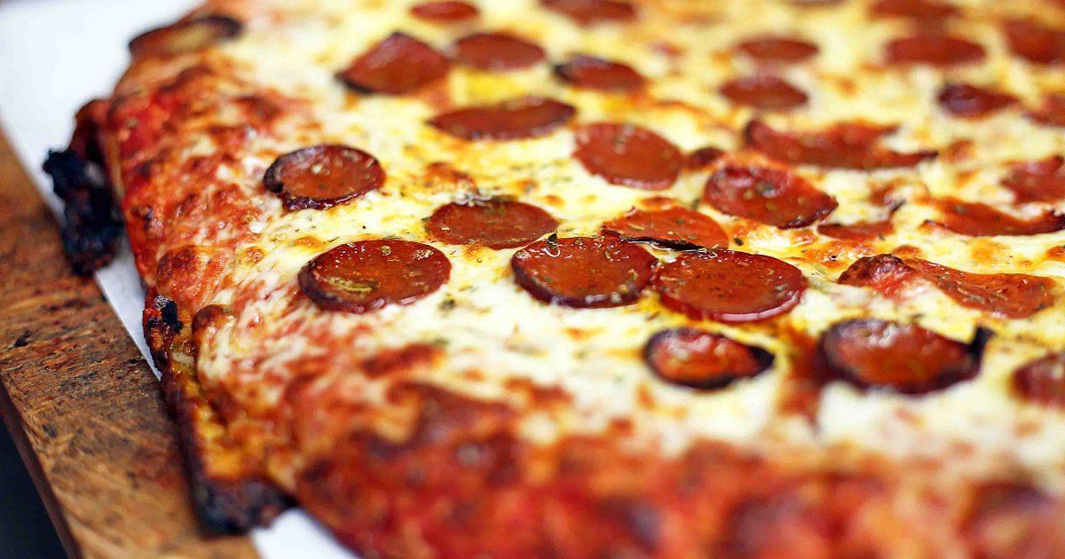 Buffalo-Style Pizza