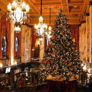 Christmas Tree at Sheas Theatre