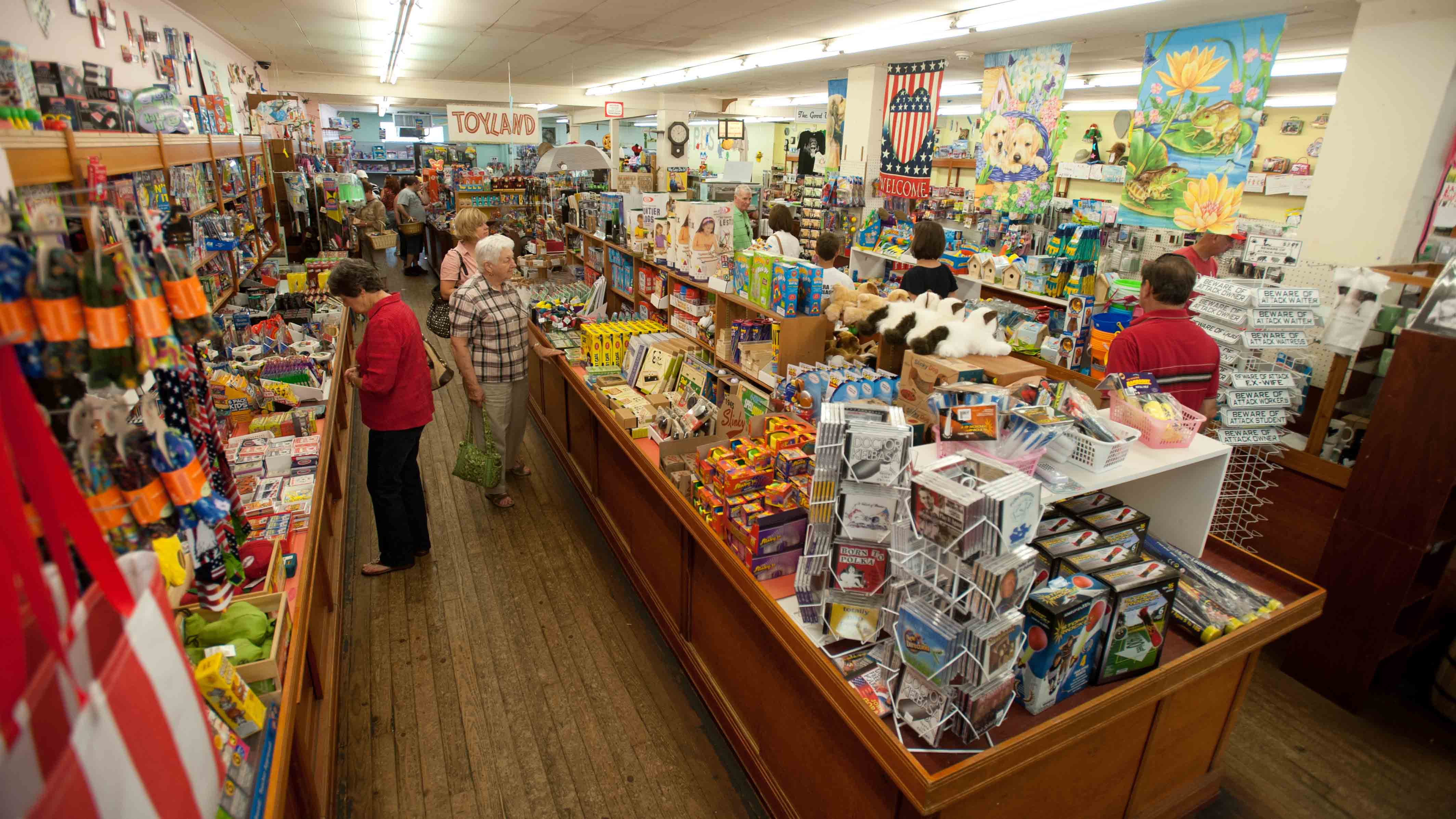 Find Anything and Everything at Vidler\'s Five & Dime - Visit Buffalo ...