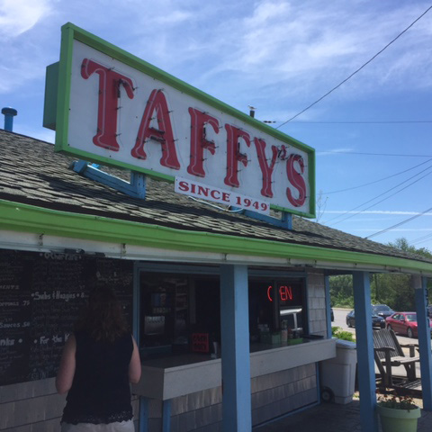 Classic Buffalo Spotlight Taffy 39 S Visit Buffalo Niagara