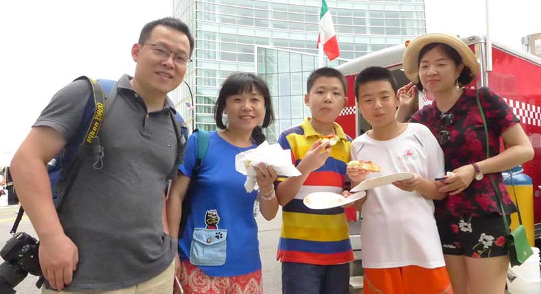 Hongpei & Huamei and their children